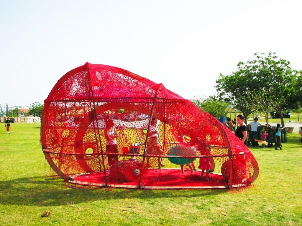 red-blog-oge-creative-group-temporary-playscape1-1024x768
